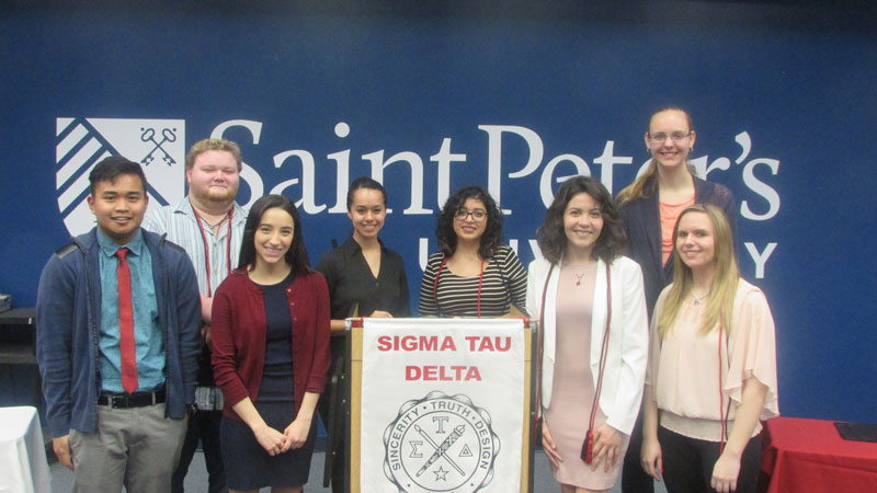 Photo of Sigma Tau Delta Inductees Spring 2017